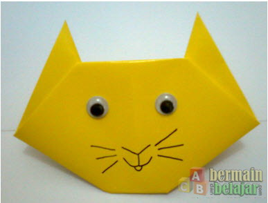 membuat origami kucing